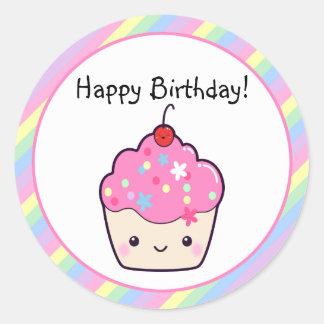 Cumpleaños lindo de la magdalena pegatina redonda