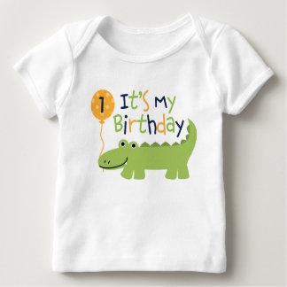 Cumpleaños lindo del cocodrilo playera