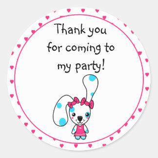 Cumpleaños lindo del conejo de Kawaii Pegatina Redonda