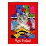 Cumpleaños lindo del gato que hace punto o cualqui tarjeton