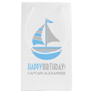 Cumpleaños náutico del velero azul y gris bolsa de regalo pequeña