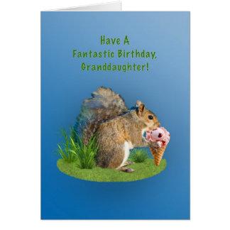 Cumpleaños, nieta, ardilla, cono de helado tarjeta de felicitación