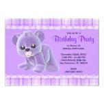 Cumpleaños púrpura del oso de peluche de la felpa comunicado