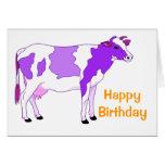 Cumpleaños púrpura en colores pastel de la vaca tarjeta de felicitación