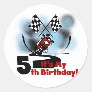 Cumpleaños que compite con de la motocicleta 5to pegatina redonda