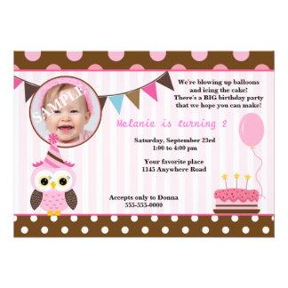 Cumpleaños rosado de la foto de los chicas del búh anuncio personalizado