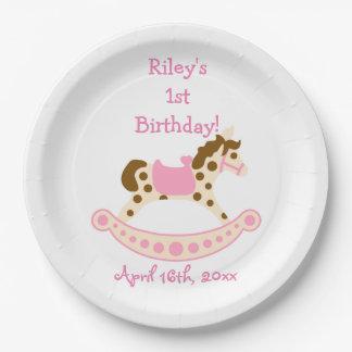 Cumpleaños rosado del caballo mecedora platos de papel