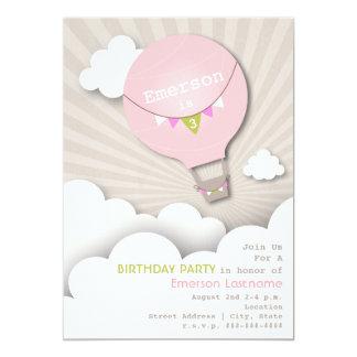 """Cumpleaños rosado del globo del aire caliente y invitación 5"""" x 7"""""""