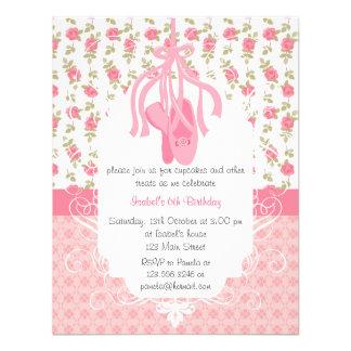 Cumpleaños rosado floral femenino caprichoso de la
