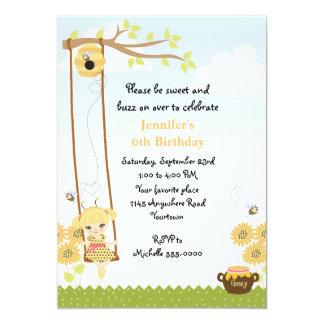 """Cumpleaños rubio de la abeja de la miel de los invitación 5"""" x 7"""""""