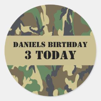 Cumpleaños temático de Camo del ejército Pegatina Redonda