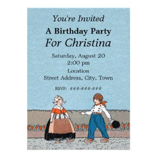 Cumpleaños tradicional del vestido del pequeño muc invitaciones personales
