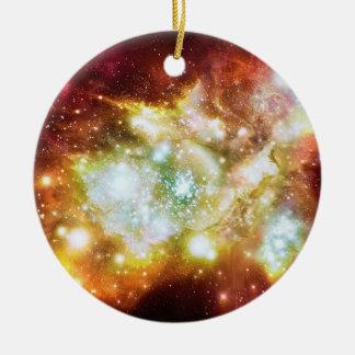 Cúmulo de estrellas caliente y brillante estupendo ornatos
