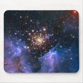 Cúmulo de estrellas de NASAs NGC3603 Alfombrillas De Ratones