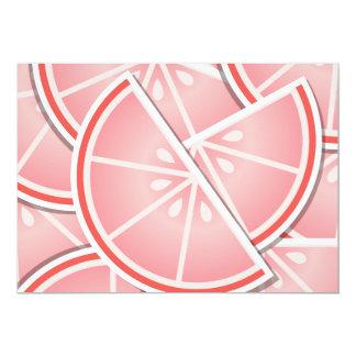 """Cuñas enrrolladas del pomelo rosado invitación 5"""" x 7"""""""