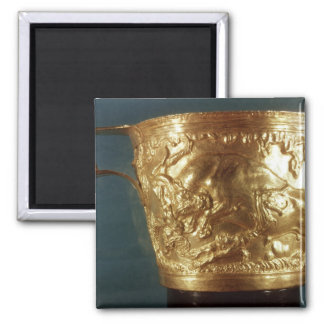 Cup, depicting a charging bull 2 inch square magnet