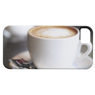 cup of coffee latte on table, close-up iPhone SE/5/5s case