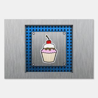 Cupcake Brushed metal-look Lawn Signs