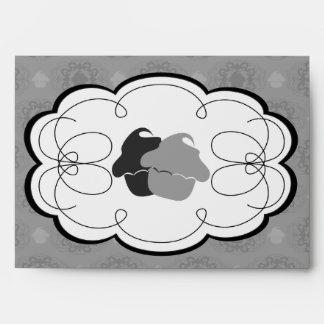 Cupcake Damask Set (Black And White) Envelope