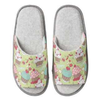 Cupcake pattern pair of open toe slippers