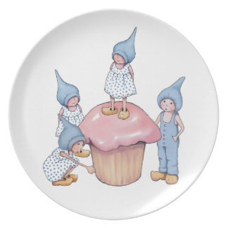 Cupcake with Gnomes, Pink Icing, Drawing Party Plates