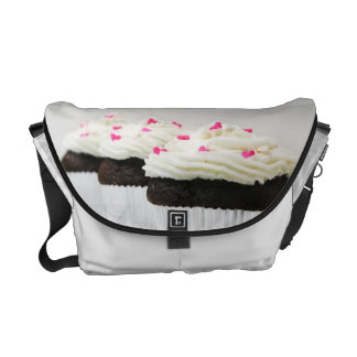 CUPCAKES COURIER BAG
