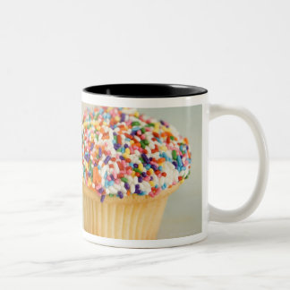 Cupcakes, focus on one in front with Two-Tone coffee mug