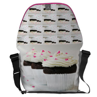 Cupcakes hearts love sweets dessert cake chef messenger bags