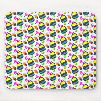 Cupcakes pattern mouse pad