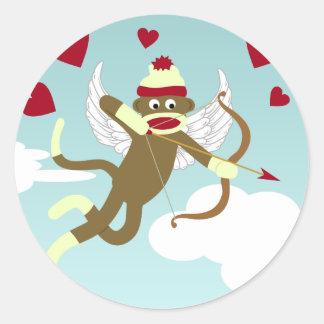 Cupid del mono del calcetín pegatinas redondas