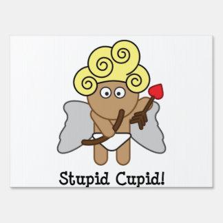Cupid estúpido carteles