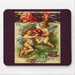 Cupids y tarjeta del día de San Valentín del vinta Tapete De Ratón