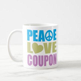 Cupón del amor de la paz taza