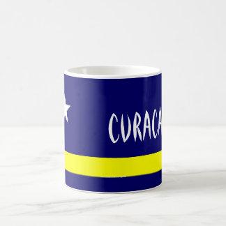 Curaçao señala la taza por medio de una bandera