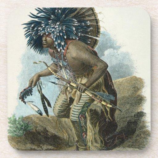 Curandero de la tribu de Mandan en el traje de Posavaso