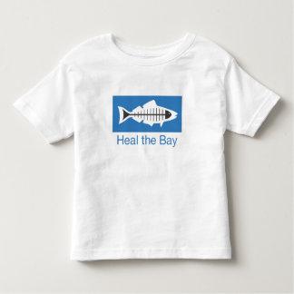 Cure la camiseta básica del logotipo de la bahía playeras