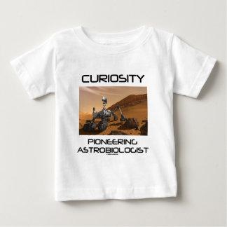 Curiosidad que promueve al Astrobiologist (Marte Tee Shirts
