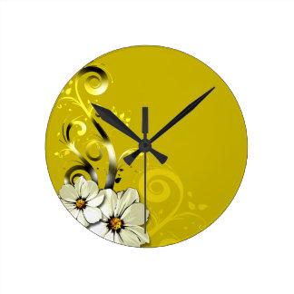 Curlicues que remolina floral moderno que casa el reloj redondo mediano