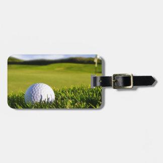 Curso de la pelota de golf etiquetas bolsa