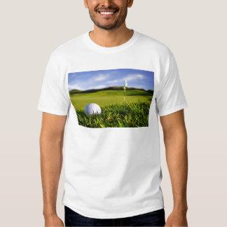 Curso de la pelota de golf remera