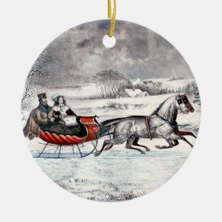 Curtidor y Ives - ornamento - el camino, invierno Adorno Navideño Redondo De Cerámica