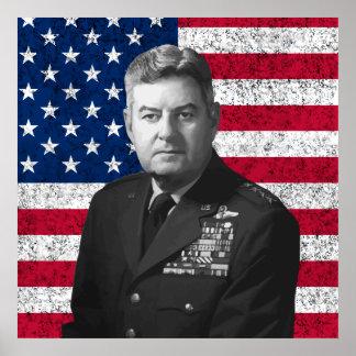Curtis Lemay y la bandera americana Poster