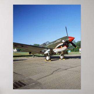 Curtiss P-40 Warhawk, en el salón aeronáutico de M Póster