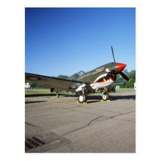 Curtiss P-40 Warhawk, en el salón aeronáutico de Postal