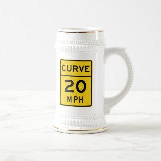 Curva muestra de 20 MPH Jarra De Cerveza
