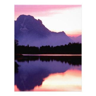 Curva Wyoming de Oxbow del final del terciopelo de Plantillas De Membrete