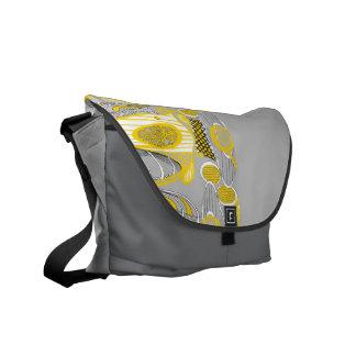 Curvas del camino, amarillas bolsa de mensajería