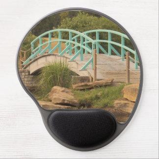 Curved bridge gel mousepad