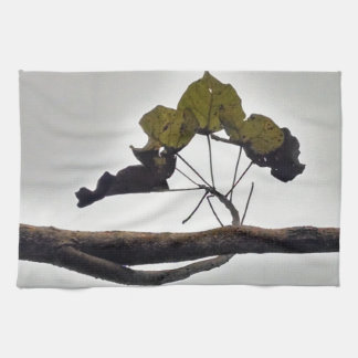 Curved leaves hand towel