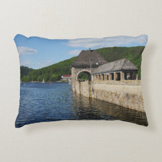 Cushion Edersee with closed forest-hits a corner